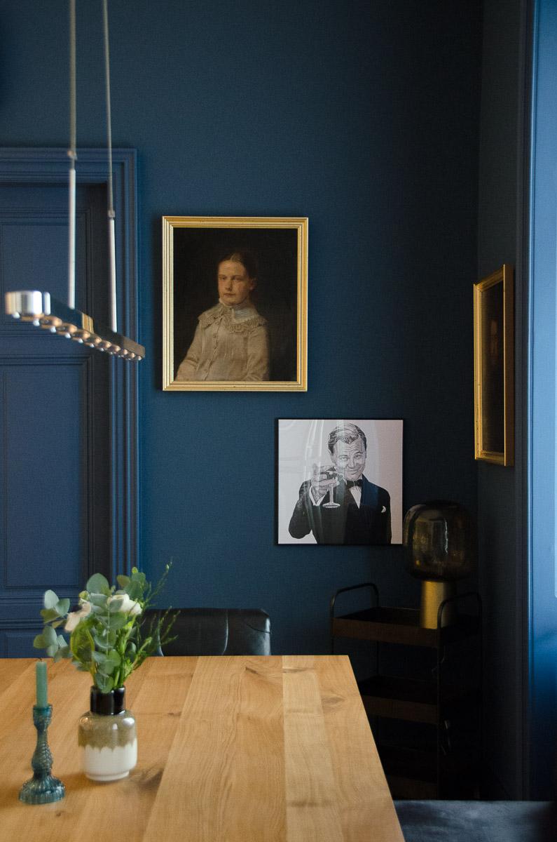 Farbanstrich mrshausner Wandfarbe Blau Lackieren Matt